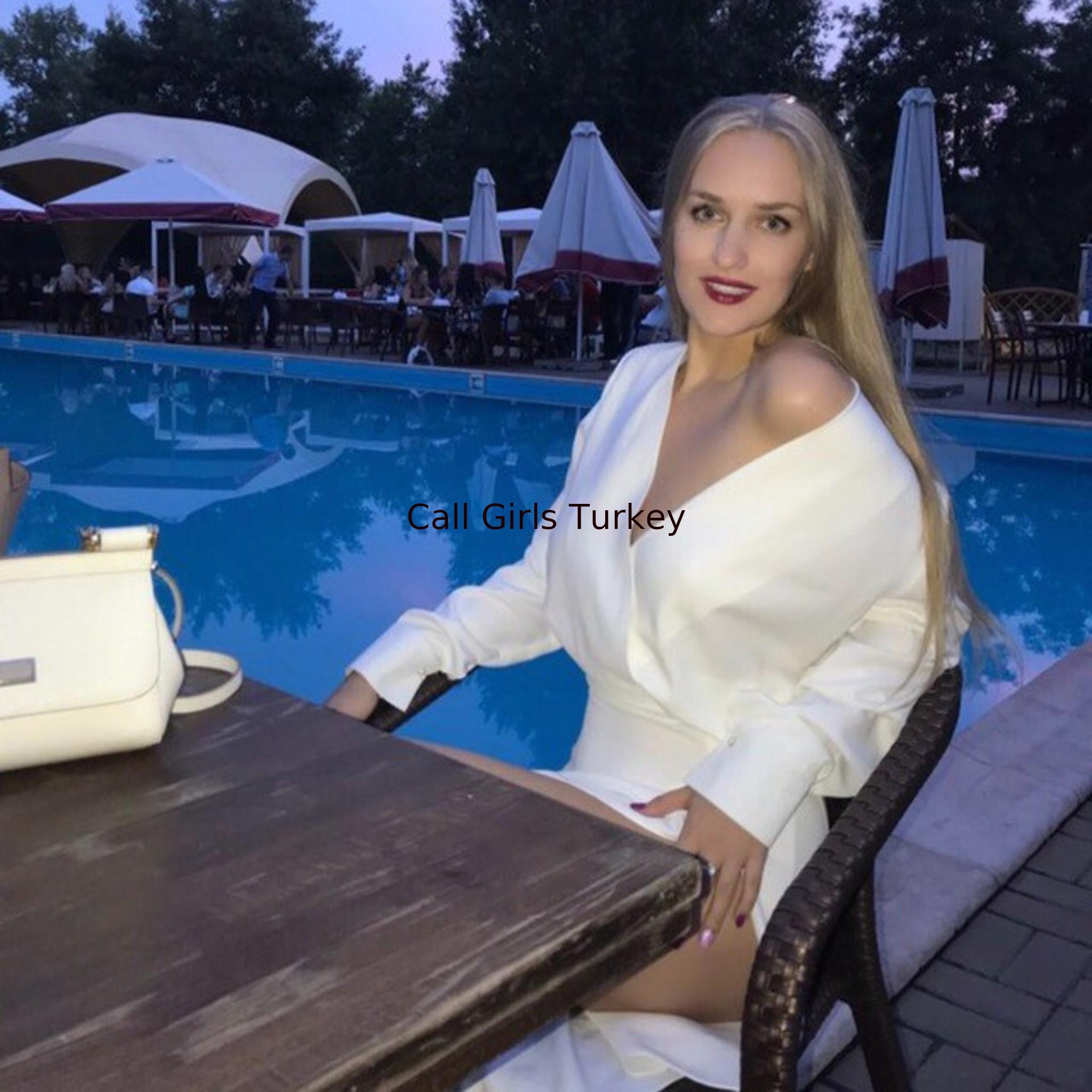 Tina (22) escort Istanbul • Kinky Escort