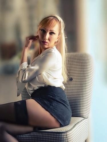 Sex ad by MILF escort Adrianna Winston (39) in Istanbul - Photo: 6