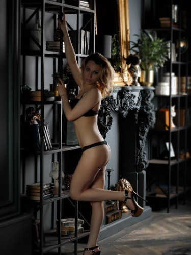 Sex ad by escort Roxy (20) in Istanbul - Photo: 1