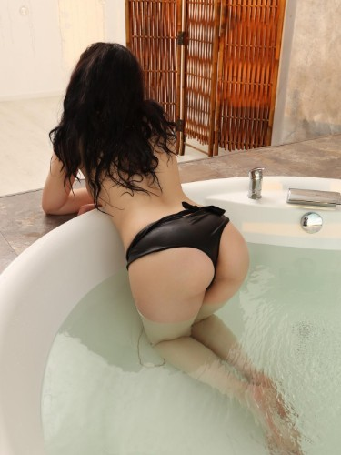 Sex ad by escort Vika (25) in Istanbul - Photo: 6