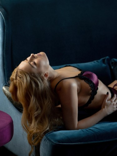 Sex ad by escort Alice (23) in Istanbul - Photo: 3