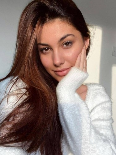 Sex ad by escort Sienna (23) in Istanbul - Photo: 1